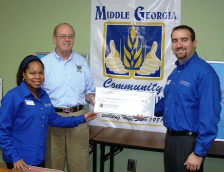 Middle Georgia Community Food Bank, Inc. receives $100 donation from WCF.