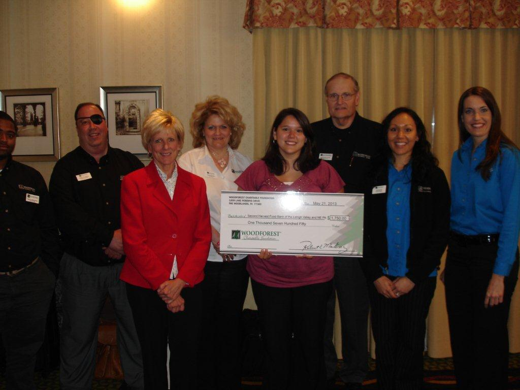 Second Harvest of Lehigh Valley and Northeast Pennsylvania receives $1,750 donation from Woodforest